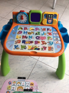 Vtech touch and learn table d'activites (EN)