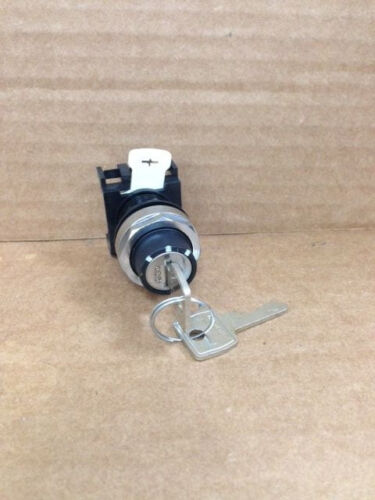 Cutler Hammer E22G5 3 Position Locking Selector Switch New In Packaging