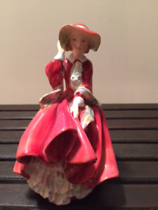 Royal Doulton Figurine Top O' The Hill