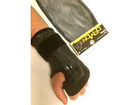 Snowboard, Skateboard & BMX - Demon Wrist Guard (1 Pair) - Brand New - Never Worn