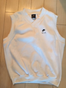 White Nike F.I.T. men's tennis vest