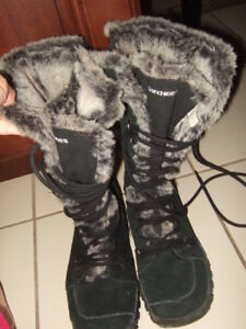 good condition size 7.5 Skechers Women's winter Boots,p2,1494