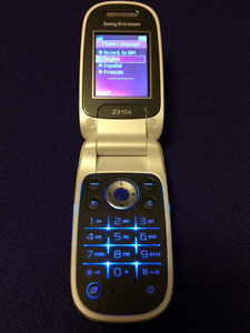 New Sony Ericsson Z310a locked to Rogers