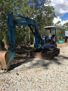Excavator - 6 tonne Hitachi The Gap Brisbane North West Preview