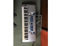 Electric Keyboard (Yongi) good condition lots of features barely used