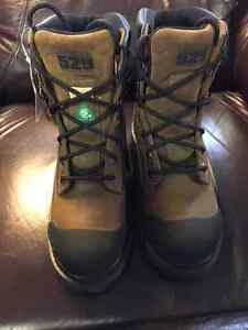 STEEL TOE WORK BOOTS - BRAND NEW