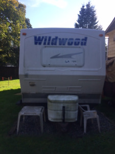 2010 Forest River Wildwood LA T27 Trailer