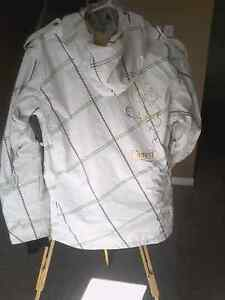 Columbia winter/board wear jacket  London Ontario image 3