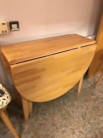 For sale drop leaf kitchen table