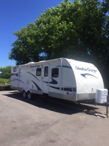 2012 Shadow Cruiser Travel Trailer in EXCELLENT Condition