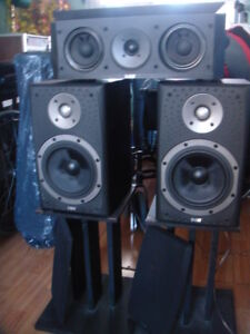 B&W set model DM 303 and center speaker