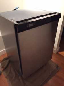 Very Quiet Blomberg Dishwasher