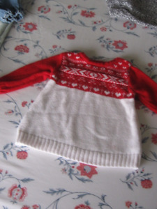 Sweater for a 6 to 12 months old baby