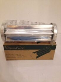 BNIB *PAMPERED CHEF* USA Valtrompia Bread Tube Star Baking Bread Making Jello