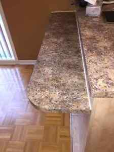 Excellent Condition Kitchen Cabinets &  Countertop West Island Greater Montréal image 2