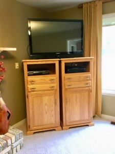 Solid oak Entertainment Units