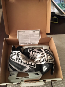 CCM Hockey Skates, Youth Size 13