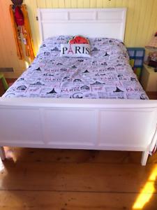 Mobilier de chambre en bois Ashley fille juvénile lit double