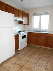 #447: 1 Bedroom Apt in Beaverlodge Available Now $800