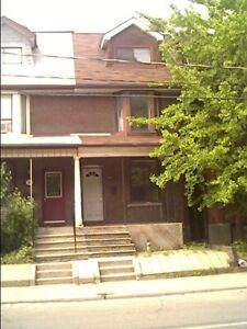 At Dupont and Brunswick 6 Bedroom 3 Story ANNEX House For Rent