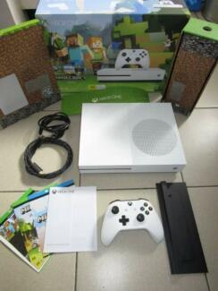 Xbox One Console S 500GB AS New Minecraft Edition Controller Game