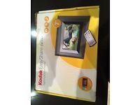 Kodak EasyShare SV710 digital picture frame
