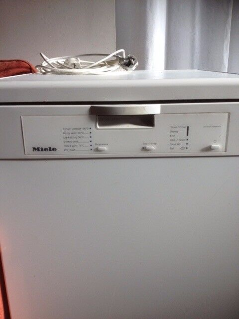 Miele dishwasher for spares or repair.