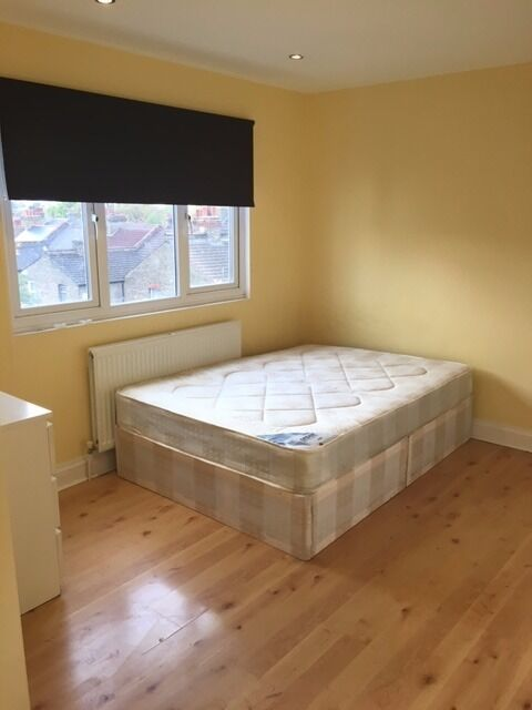 Beautiful One bedroom flat in Croydon. Separate living room.Exclusive £1000pcm.CR0 3PG