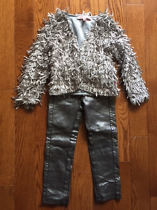 Girls size 3 silver glitter outfit (never worn)