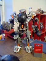 Bionicle - Toa Exo Suit MINT CONDITION