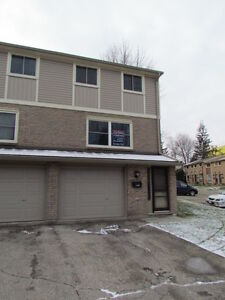 WOW!AVAIL.DEC.1st!3 BED TOWNHOME, GREAT LOCATION,WATER INCLUDED!