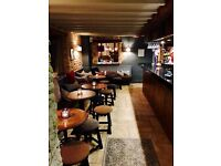 Bar & Waiting staff Required for busy Oxfordshire Bar & Restaurant