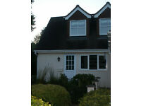 Modern Studio Apartment in quiet Crowthorne location, Bills included, close to village and rail