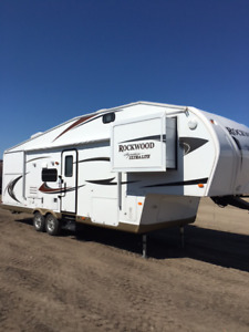 *** Rockwood Ultra Lite with Bunks - MUST SELL ***