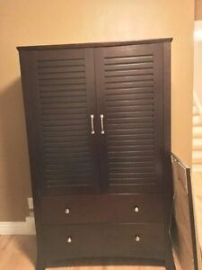 Solid wood bedroom furniture/ mobilier de chambre en bois massif Gatineau Ottawa / Gatineau Area image 3