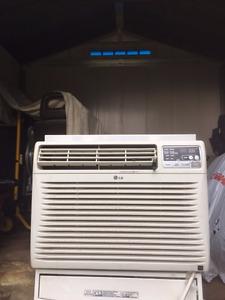 LG 10,000 BTU Air Conditioner
