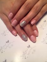 p/t and F/t nail tech manicure