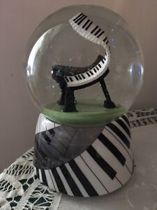 Phantom of the Opera collectible musical waterglobe