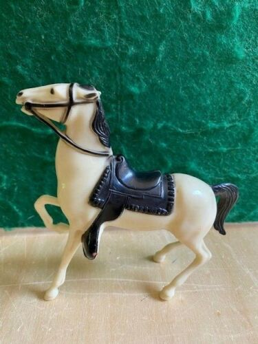 Hartland Plastics Mini Semi Rearing White Horse PERFECT