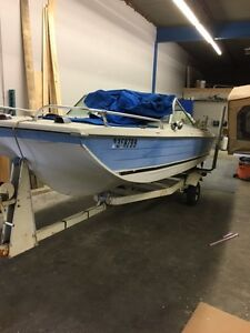 1974 16' Crestliner with Trailer and 85HP Motor