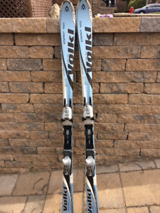 Ski Alpin Volkl Energy 420 / Fixation Marker