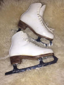 Super Gam, Ladies size 5, new blades