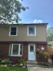 Chicopee Area Beautiful 3 bedroom, semi-detached house for rent