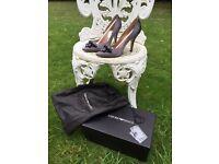 Stunning Emporio Armani Heels, grey, silky, size 37