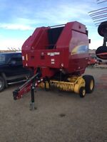 New Holland BR7070 Crop Cutter Round Baler with Knives