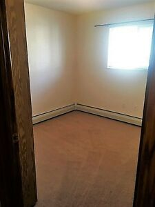 GREAT 2 Bdrm Suite - ONLY $1187.00 - Pet Friendly in Lakewood!