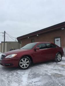 2013 Chrysler 200 Touring,AUTO!4CYL!CERTIFIED!