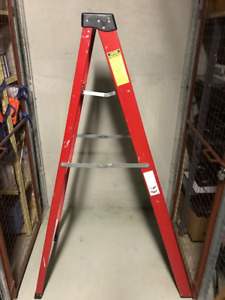 LITE Fiberglass Step Ladder 6-Ft