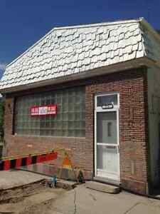 5 Bedroom House / Commercial Building