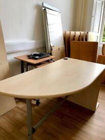 Table 150 cm - length 76 cm - width 70 cm- height